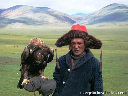 Mongolia pictures eagle hunting