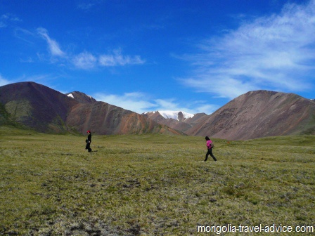 Hiking western mongolia altai mountains