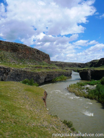 rivers in Mongolia chuluut river