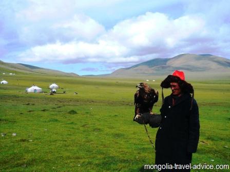 eagle hunter bayan olgii western mongolia