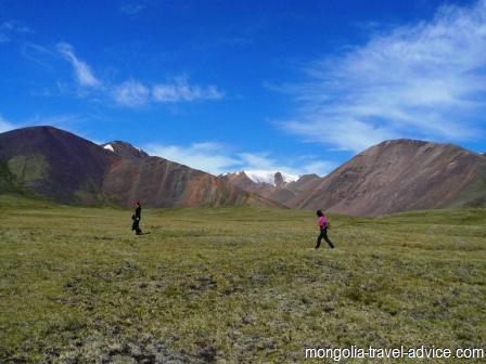 Hiking western mongolia altai mountains