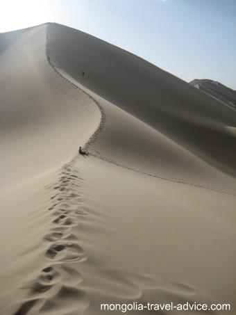 Mongolia pictures: Sand Dunes in the Gobi desert